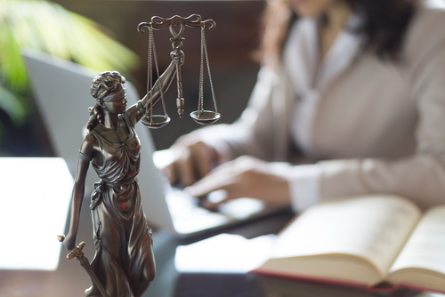 how-to-find-a-perfect-singapore-lawyer